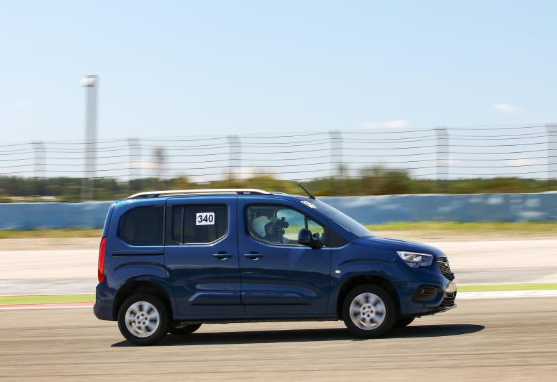 Opel Combo, Yarış Pistlerinin de Kahramanı!